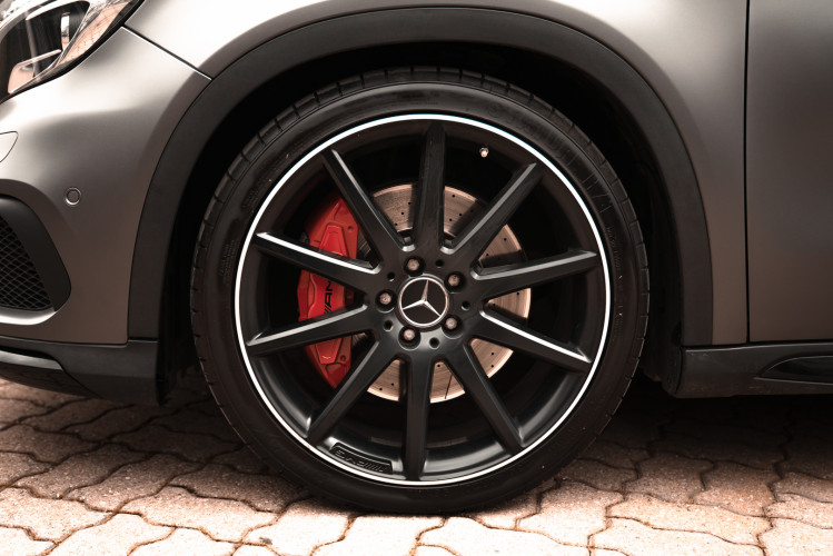 2015 Mercedes-Benz GLA AMG 45 13