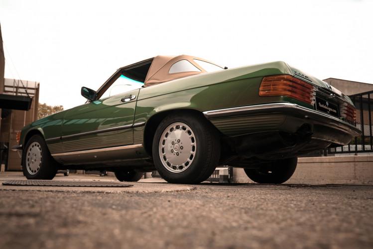 1986 Mercedes-Benz SL 300 4