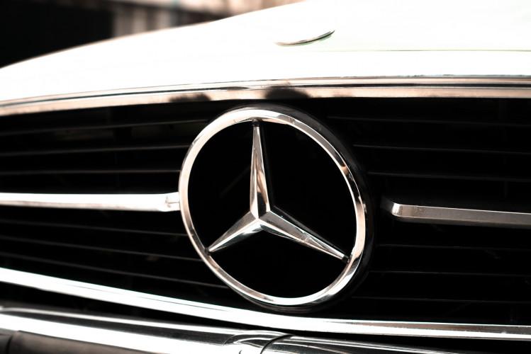 1986 Mercedes-Benz SL 300 13