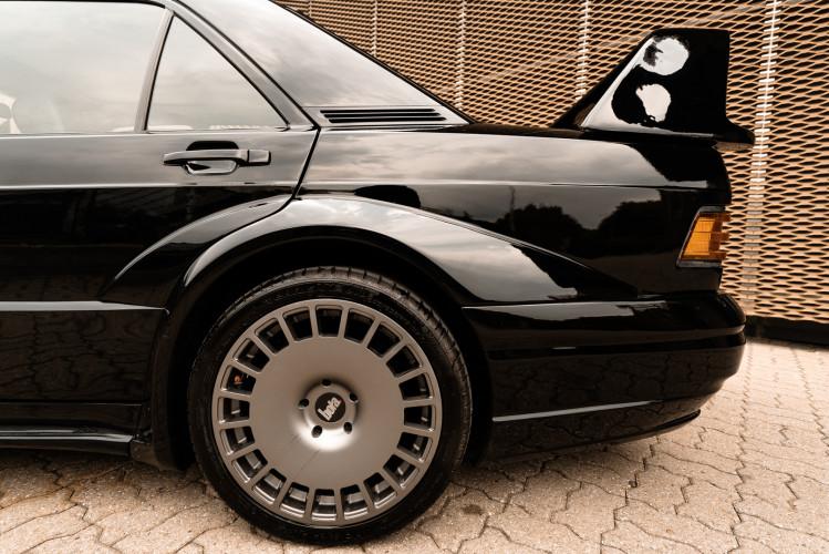 1985 Mercedes-Benz 190E 2.3-16 14