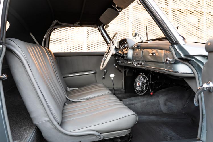 1956 Mercedes-Benz 190 SL 17