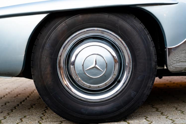 1956 Mercedes-Benz 190 SL 22