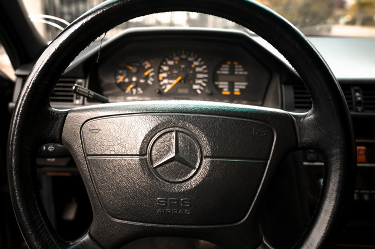 1992 Mercedes-Benz 500 E 12