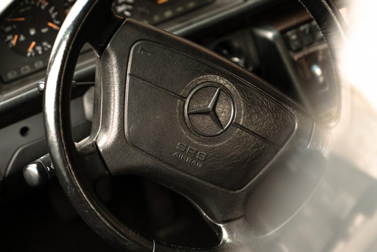 1992 Mercedes-Benz 500 E 28