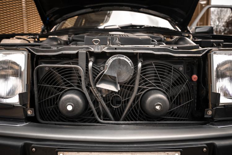 1992 Mercedes-Benz 500 E 39