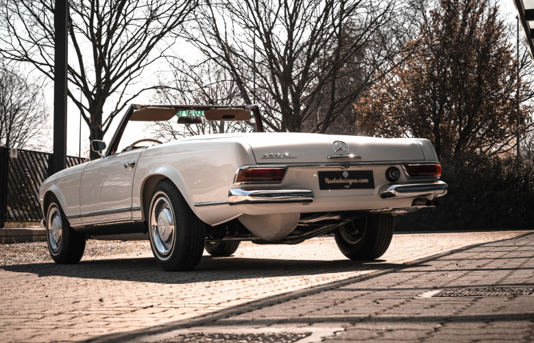 1966 Mercedes-Benz SL 230 Pagoda 2