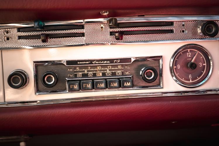 1966 Mercedes-Benz SL 230 Pagoda 28
