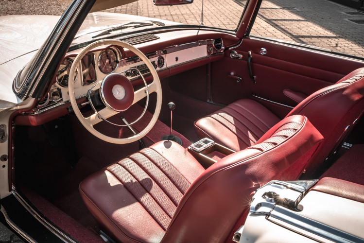 1966 Mercedes-Benz SL 230 Pagoda 19