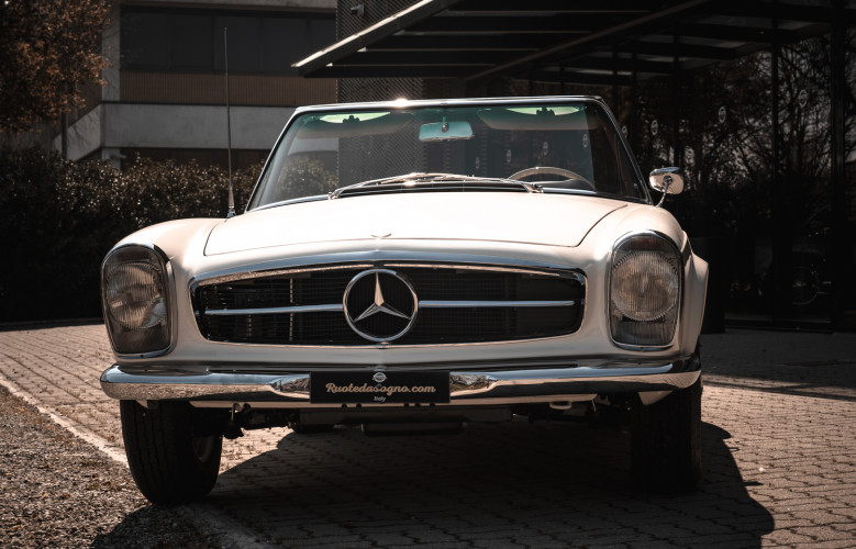 1966 Mercedes-Benz SL 230 Pagoda 10