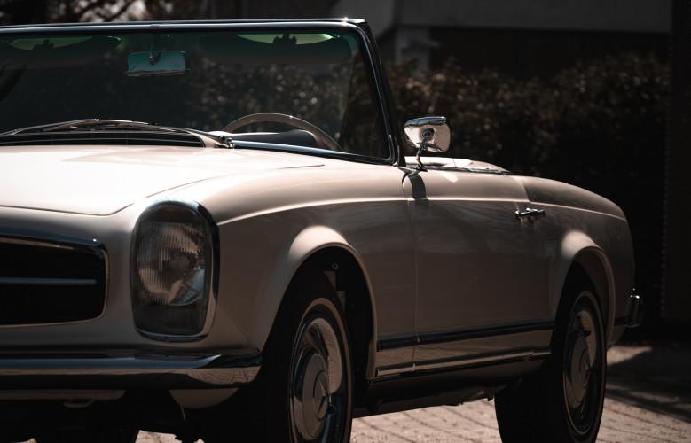 1966 Mercedes-Benz SL 230 Pagoda 11