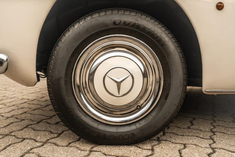 1958 Mercedes-Benz 190 SL 9