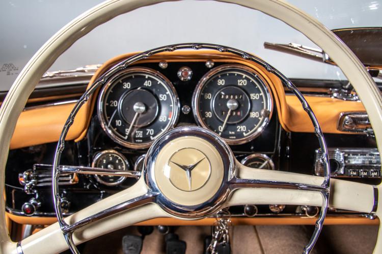 1961 Mercedes-Benz 190 SL 16