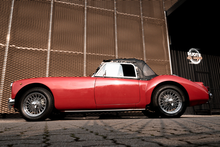 1961 MG A SPIDER 1600 4