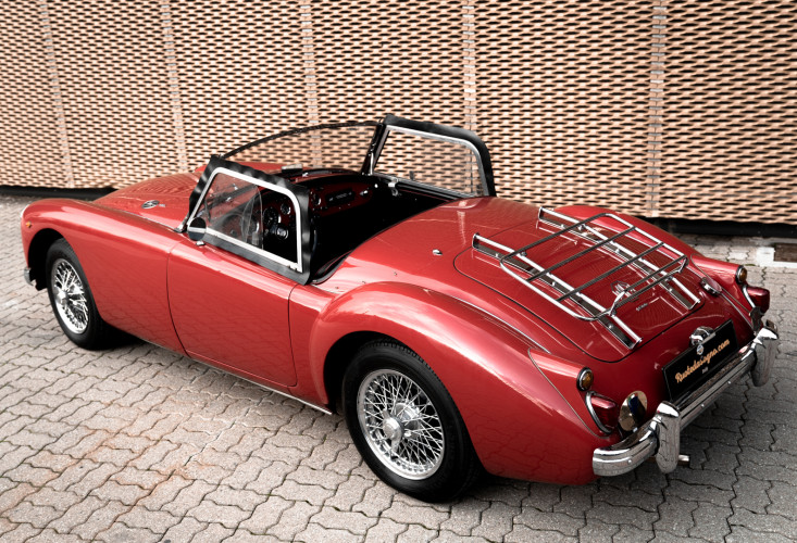 1961 MG A SPIDER 1600 7