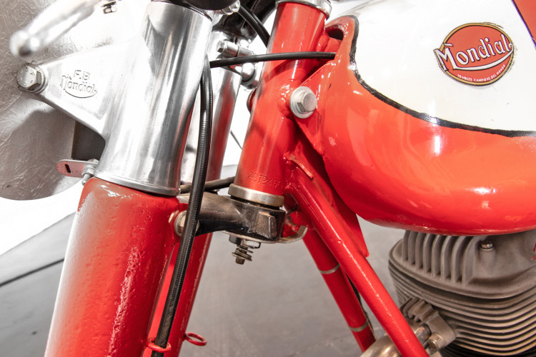 1956 Mondial Champion Lusso 175 14