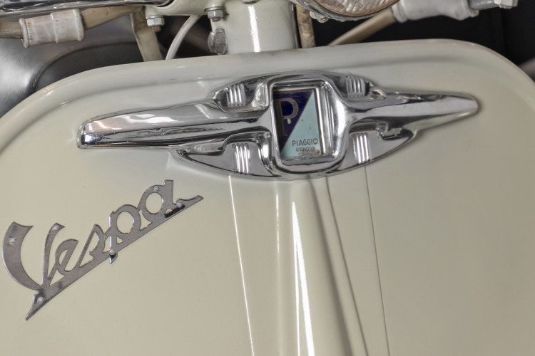 1955 Piaggio Vespa Struzzo Sidecar 19