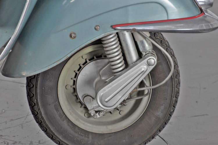 1961 Piaggio Vespa 150 vbb 17
