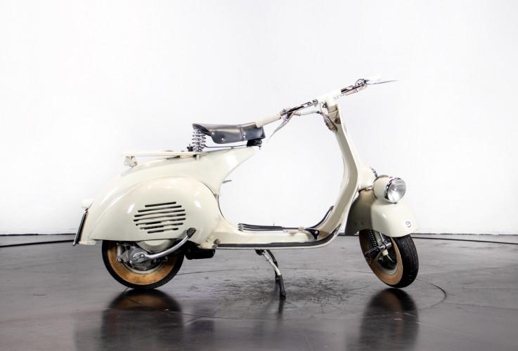 1953 Piaggio Vespa 125  4
