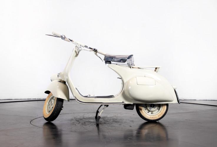 1953 Piaggio Vespa 125  0