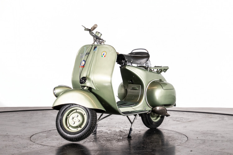 1950 Piaggio Vespa 125 V15 2