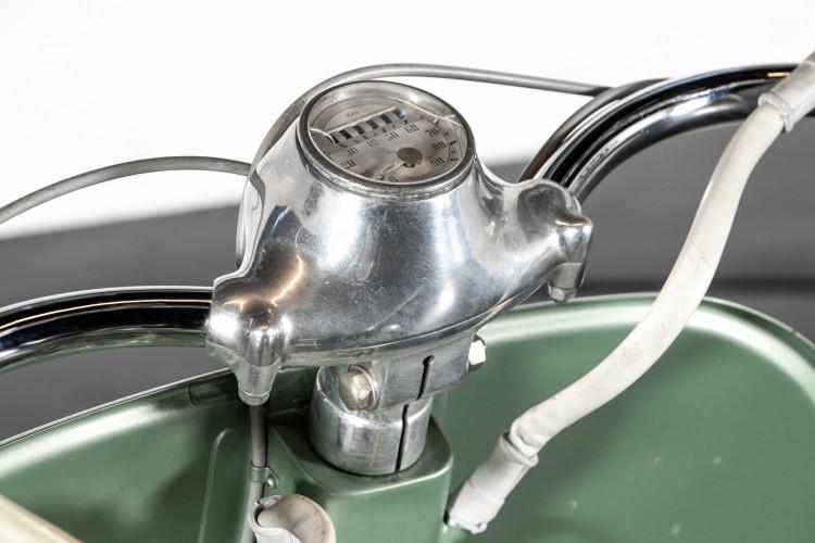 1952 Piaggio Vespa 125 V33 12