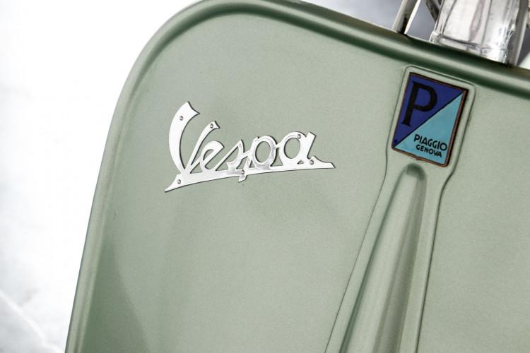 1952 Piaggio Vespa 125 V33 19