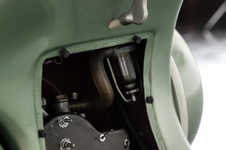 1952 Piaggio Vespa 125 V33 22