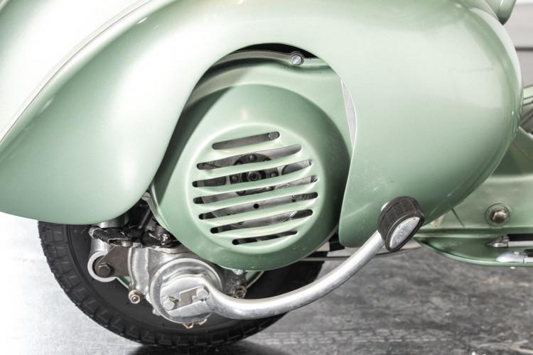 1952 Piaggio Vespa 125 V33 23