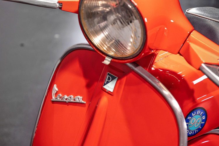 1966 Piaggio Vespa 90 SS 12