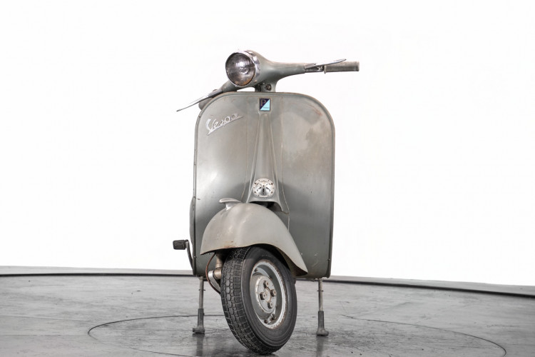 1957 Piaggio Vespa vb1 1
