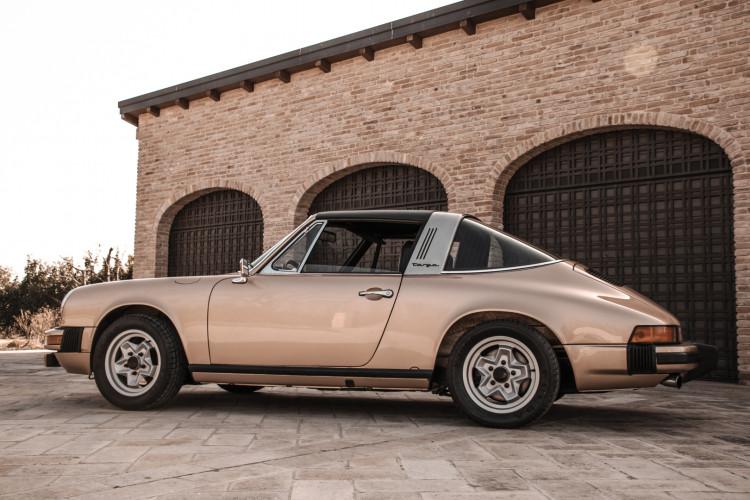 1974 Porsche 911 G 2.7 Targa 4