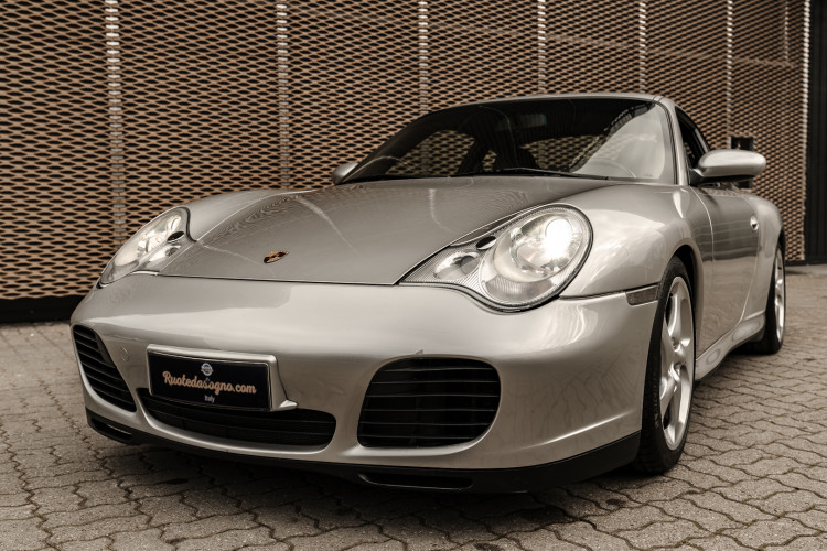 2002 Porsche 996 Carrera 4S Coupé 0