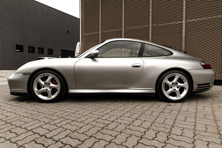 2002 Porsche 996 Carrera 4S Coupé 7