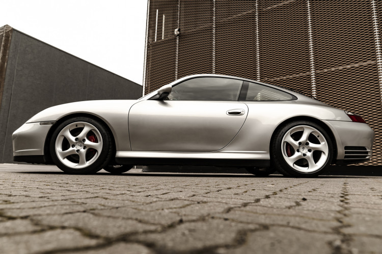 2002 Porsche 996 Carrera 4S Coupé 8