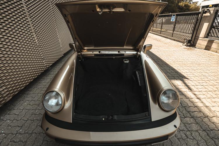 1985 Porsche 911 Carrera 3.2 Targa 47