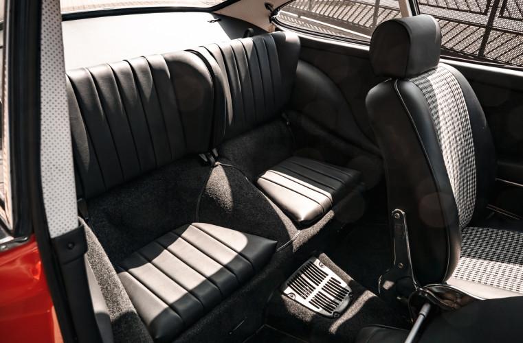 1969 Porsche 911 T 2.0 34