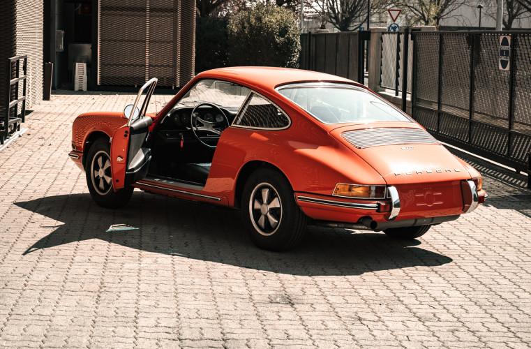 1969 Porsche 911 T 2.0 12