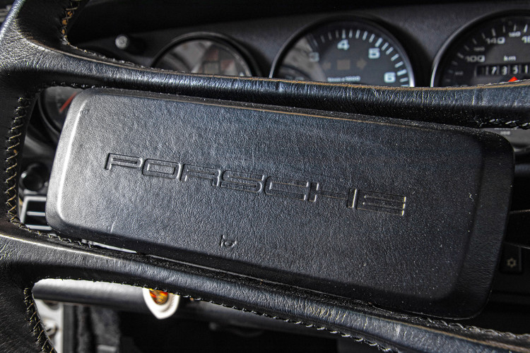 1990 Porsche 964 Carrera 4 27