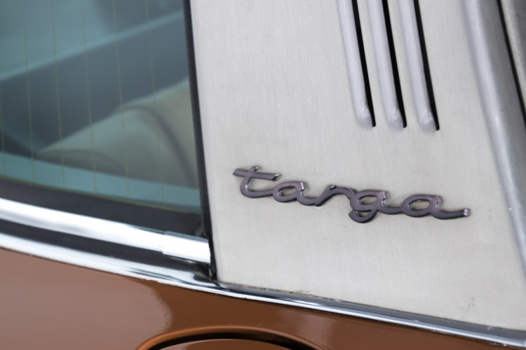 1972 Porsche 911T - 2.4 Targa 12