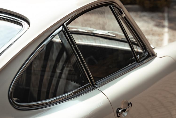 "1966 Porsche 911 2.0 L - S.W.B. ""Serie 0"" 18"