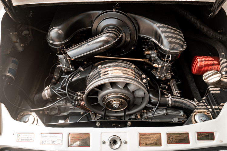 "1966 Porsche 911 2.0 L - S.W.B. ""Serie 0"" 39"