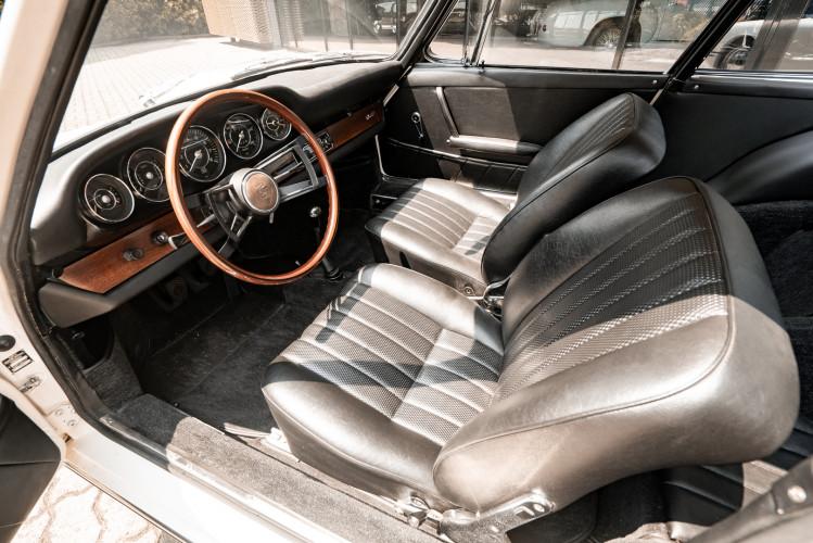 "1966 Porsche 911 2.0 L - S.W.B. ""Serie 0"" 43"