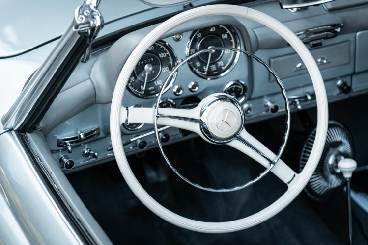1956 Mercedes-Benz 190 SL 37