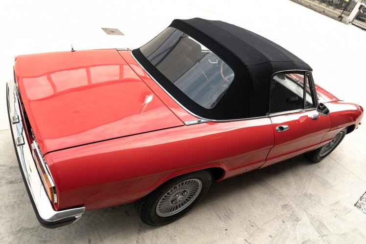 1976 Alfa Romeo Spider 2000 Duetto 7