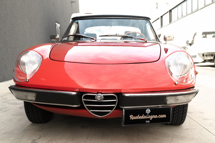 1976 Alfa Romeo Spider 2000 Duetto 3