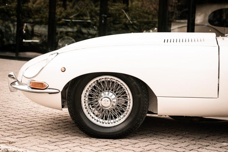 1968 Jaguar E-Type 4.2 Series 1 OTS 17