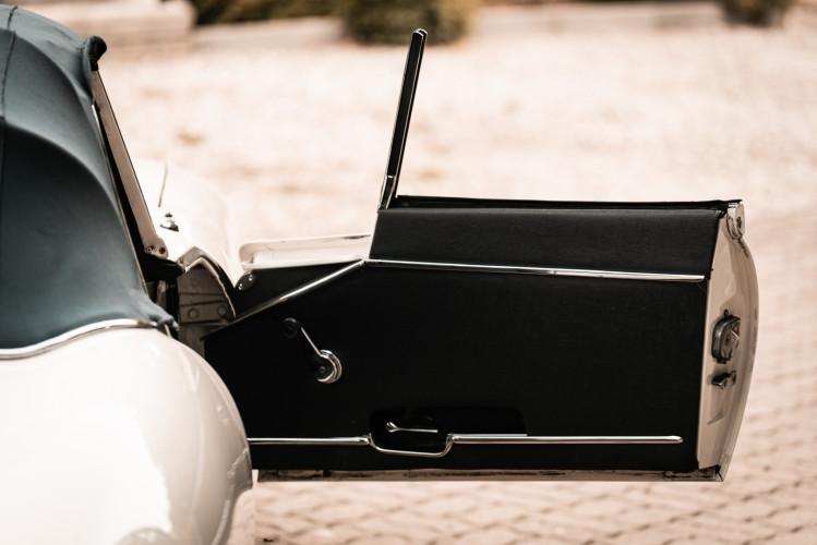 1968 Jaguar E-Type 4.2 Series 1 OTS 19