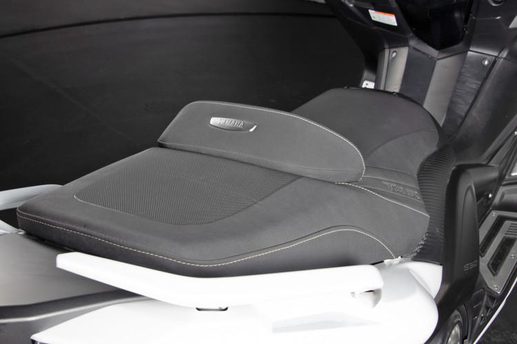 2013 Yamaha T-Max 530 22