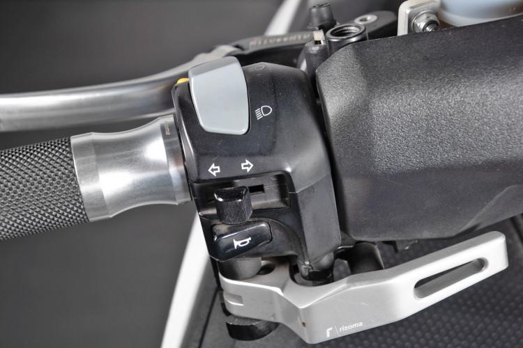 2013 Yamaha T-Max 530 26