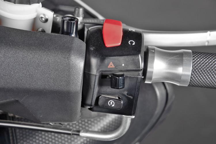 2013 Yamaha T-Max 530 25